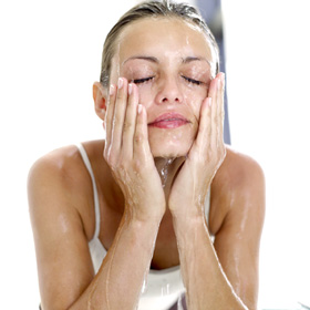 an introduction to proper cleaning and massage of the face Step 3: turn off the steam and perform the facial massage (most estheticians do the facial massage after the extractions) when the face is massaged, it also heats up the skin to soften the oil and holds the moisture from the steam in the skin.